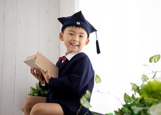 幼稚園の制服にて